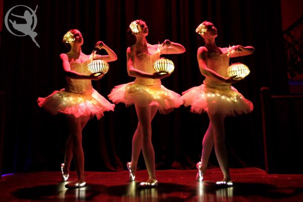 divine-company-ballet-lantern-600x400