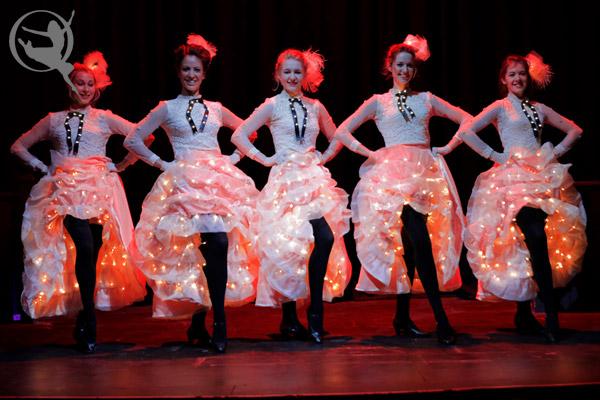 Showgirls, Show Dancers, Cabaret Dancers